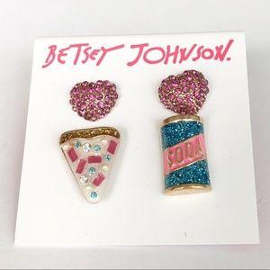 BETSEY JOHNSON Duo Pizza soda Heart Stud Earrings
